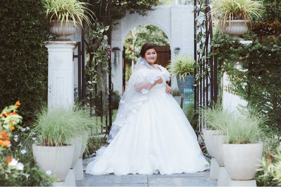 Wedding Dresses For Curvy Women